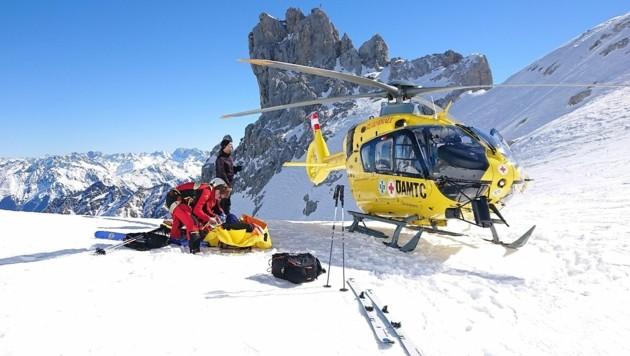 Der Skitourengeher erlitt am Berg einen Herzinfarkt. (Bild: ÖAMTC)