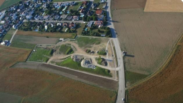 Erst Schottergrube, dann Lager für Hausmüll: Schon bald entsteht hier ein Freizeitpark. (Bild: Stadtgemeinde St. Valentin)