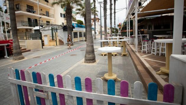 Bars auf der berühmten Bierstraße dürfen in Palma de Mallorca wieder öffnen. (Bild: AFP)