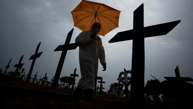 Immer mehr Menschen fallen dem Coronavirus zum Opfer. (Bild: AFP)
