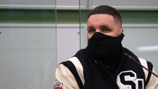 Rapper Fler im Gerichtssaal (Bild: Paul Zinken / dpa / picturedesk.com)