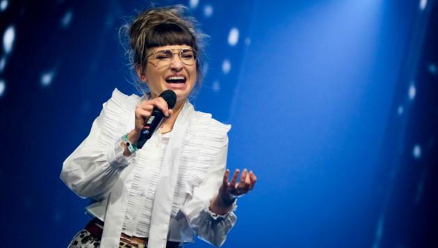 """Anna Buchegger sang """"I'll Never Love Again"""" von Lady Gaga. (Bild: ORF)"""