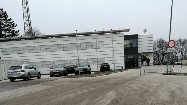 Vermehrt gelangen nun Flüchtlinge im Bezirk Güssing wie bei Eberau ins Land. Im Quartier des Bundesministeriums in Klingenbach waren zwei Kriminelle untergebracht – in ihren Zimmern hatten sie Beute gelagert. (Bild: Schulter Christian)