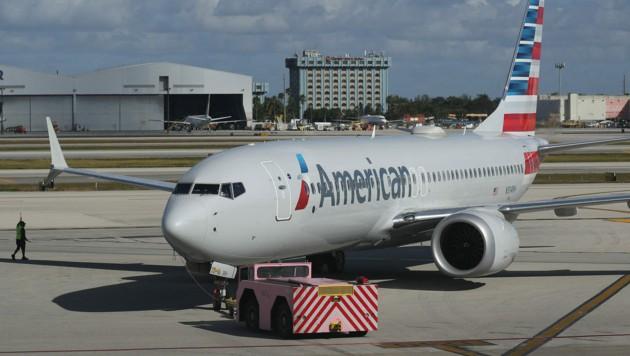 Eine Boeing 737 Max der Fluggesellschaft American Airlines hatte mechanische Probleme bei einem Triebwerk. (Bild: AP)