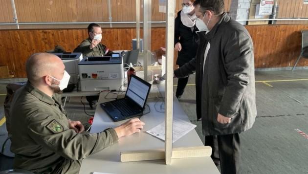 Das Bundesheer hilft in den BITZ mit. Jetzt soll aber reduziert werden. (Bild: Schulter Christian)