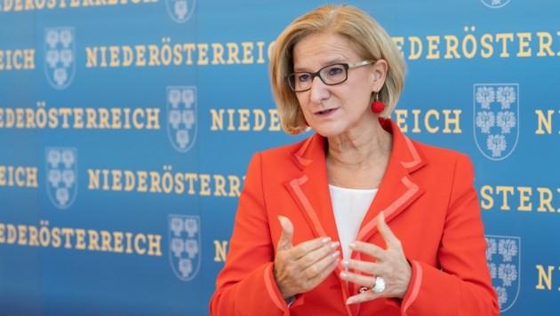 """Niederösterreichs Landeshauptfrau Johanna Mikl-Leitner fordert in der Maskenaffäre """"lückenlose Aufklärung"""" und harte Konsequenzen. (Bild: NLK Filzwieser)"""
