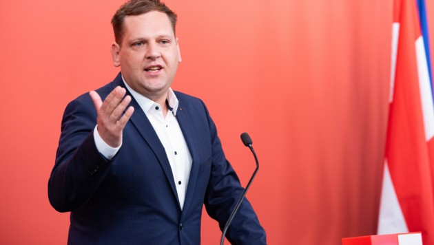 """Der stellvertretende SPÖ-Klubchef Philip Kucher kritisiert die """"explodierenden Werbeausgaben"""" der Bundesregierung. (Bild: SPÖ-Parlamentsklub/Mandl)"""