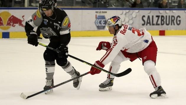 Zum dritten Mal treffen Dornbirn und Salzburg (re. Skille) im Play-off aufeinander. (Bild: Tröster Andreas)