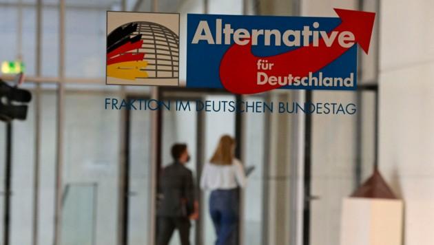Die bayrische AfD hat jenen Aktivisten ausgeschlossen, der die Corona-Schutzimpfung vor dem ehemaligen KZ Mauthausen mit Zyklon B verglichen hatte. (Bild: AFP)