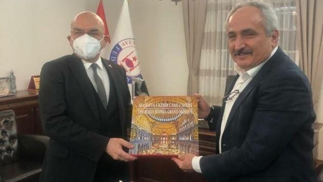 Türkei-Botschafter Ceyhun (li.) mit Ali Can (Graue Wölfe) (Bild: zVg)