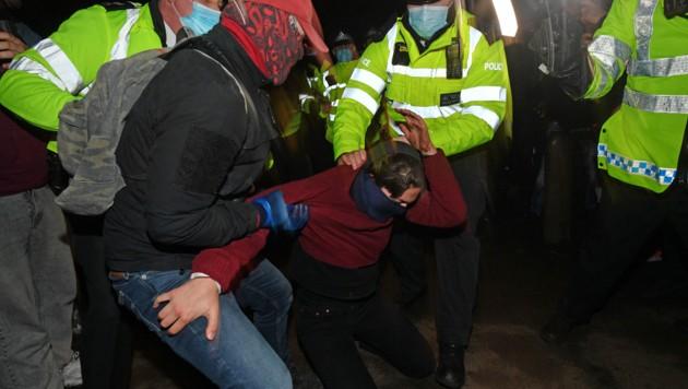 Bilder wie dieses bringen die Polizei unter Druck. (Bild: AFP)