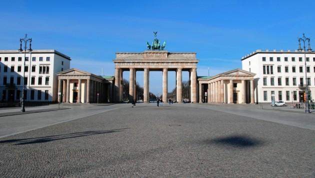 Das Brandenburger Tor in Berlin zu Beginn des Lockdowns im März 2020 (Bild: Paul Zinken/dpa/picturedesk.com)