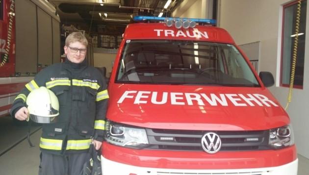 Martin Gandler von der Feuerwehr Traun wurde zum Retter (Bild: FF Traun)