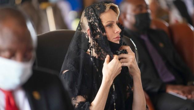 Fürstin Charlene bei der Trauerfeier für Zulu-König Goodwill Zwelithini in Nongoma in Südafrika (Bild: APA/AP Photo/Phill Magakoe)