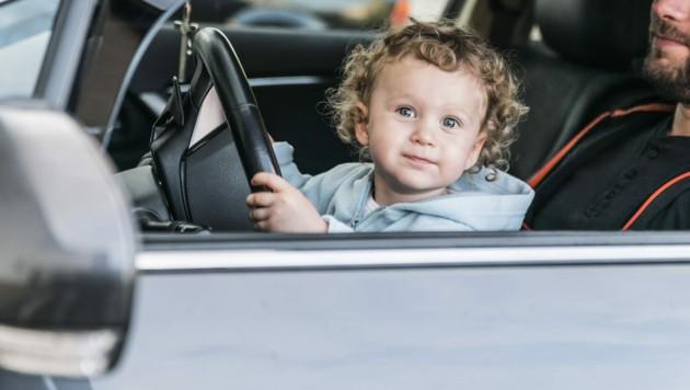 Da hat schon wer ein klares Ziel: ein eigenes Auto! (Bild: ©igorgeiger - stock.adobe.com (Symbolbild))