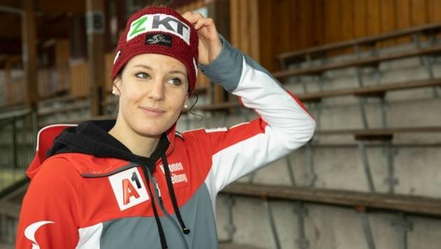 Elisabeth Kappaurer blickt optimistisch in die Zukunft, hofft im Idealfall bereits im September ihr Comeback auf Skiern geben zu können. (Bild: Maurice Shourot)
