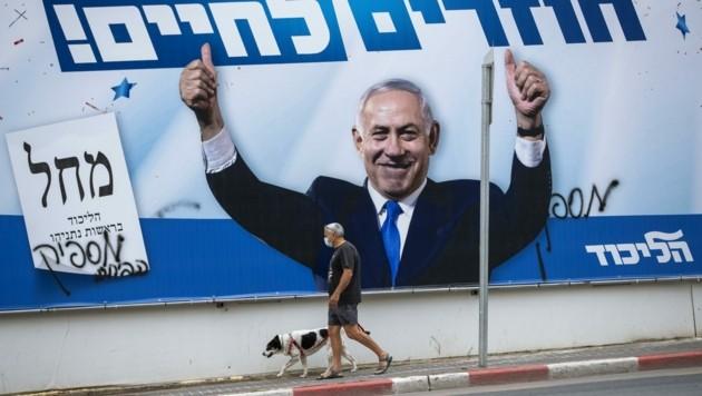 """""""Zurück ins Leben!"""" lautet der Slogan, mit dem Bibi Netanjahu auch diese Wahl gewinnen wird. (Bild: AP)"""