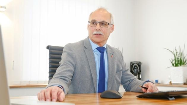 Günther Mitterer, der auch Bürgermeister von St. Johann ist, kann derzeit keine Mitarbeiter zur Verfügung stellen. (Bild: Gerhard Schiel)