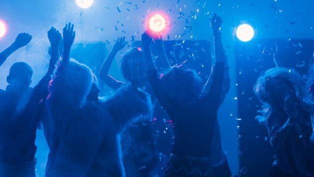 Eine 2G-Party wurde zum Superspreader-Event (Symbolbild). (Bild: stock.adobe.com)