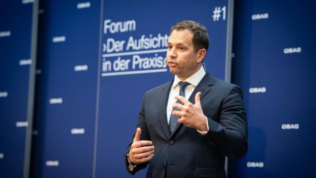 Thomas Schmid, der nun ehemalige Alleinvorstand der staatlichen Beteiligungsholding ÖBAG (Bild: ÖBAG)