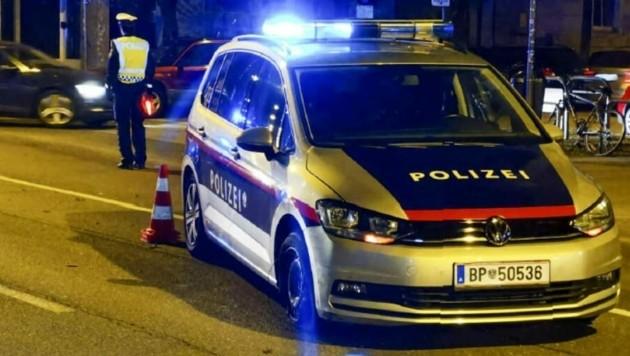 Laut Polizei streifte der 17-Jährige absichtlich einen Streifenwagen. (Bild: Markus Tschepp)