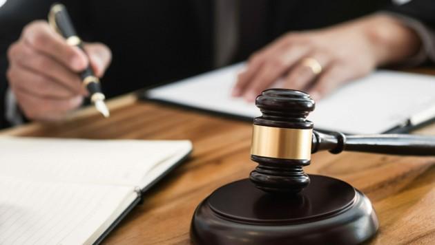 Damit werden jetzt die Gerichte befasst: Tullner Häuslbauer zahlten weniger Aufschließungsabgabe. (Symbolbild) (Bild: ©memyjo - stock.adobe.com)