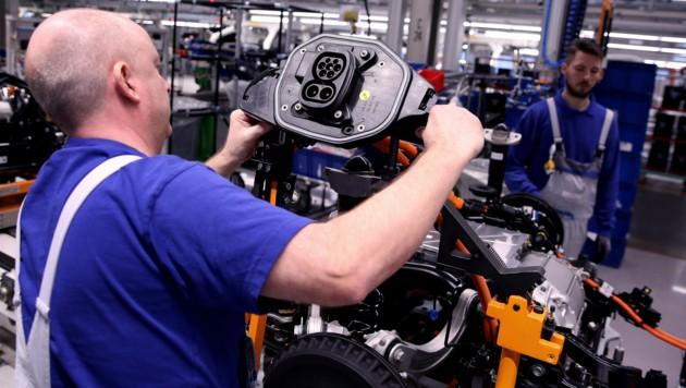 Nach einem langen Hin und Her steht Deutschland nun kurz vor einer Testpflicht für Firmen. (Bild: AFP)