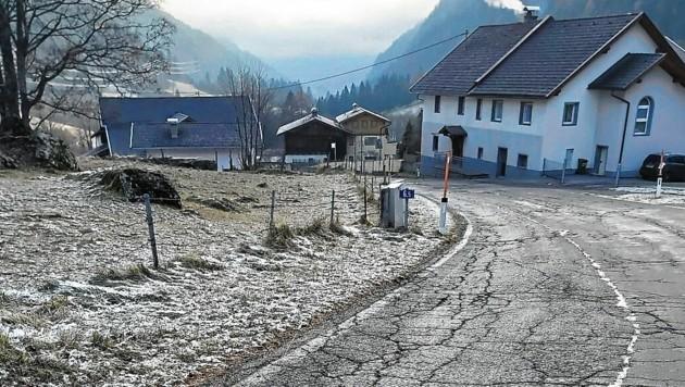Starke Schäden weist die Ortsdurchfahrt Innerfragant auf. Hier wird nun ein Entwässerungskanal errichtet. (Bild: Land Kärnten)