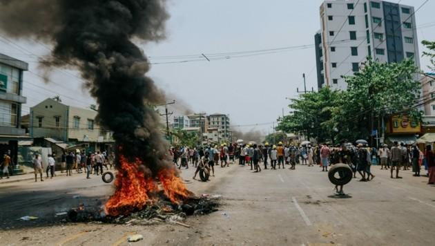 Die Lage im südostasiatischen Staat spitzt sich immer mehr zu. (Bild: AFP)