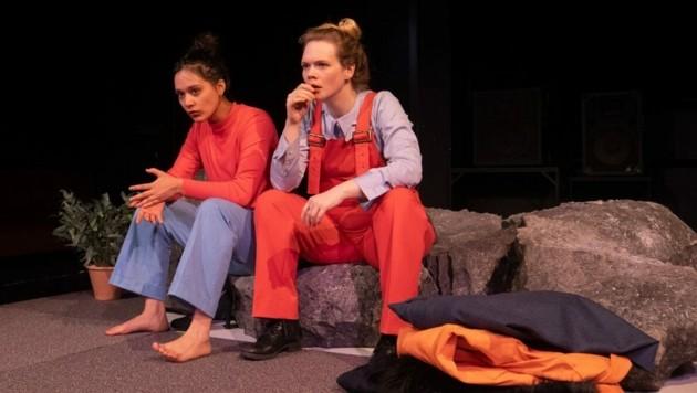 """Schauspielhaus Graz: Online-Premiere von """"Zitronen, Zitronen, Zitronen"""" mit Katrija Lehmann und Maximiliane Haß (Bild: Lex-Karelly)"""
