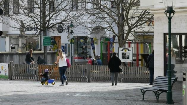 Spaziergänger in Eisenstadt (Bild: P. Huber)