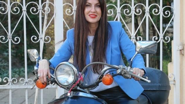 Starke Frau: Monika Ballwein auf ihrem Honda-Shadow-Roller. (Bild: Zwefo)