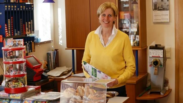 Annemarie Struber (60) macht ihre Trafik nun dicht: Sie geht in die wohlverdiente Pension. (Bild: Tschepp Markus)