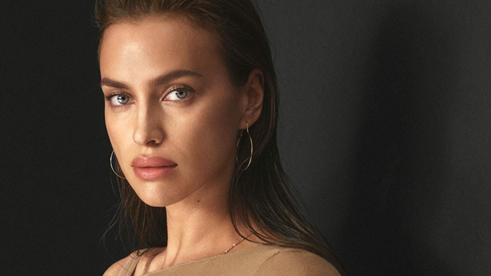Nur Nötigstes bedeckt - Irina Shayk sorgt im Nackt-Anzug