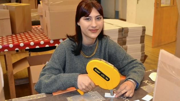 Julia Katharina (18) möchte arbeiten. Uns erzählt sie ihre Geschichte, damit wir gemeinsam helfen können. (Bild: zVg/Caritas)