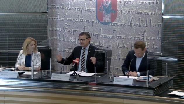 Christian Scheider (Team Kärnten) mit Julia Löschnig (ÖVP) und Philip Kucher (SPÖ). (Bild: Klagenfurt)