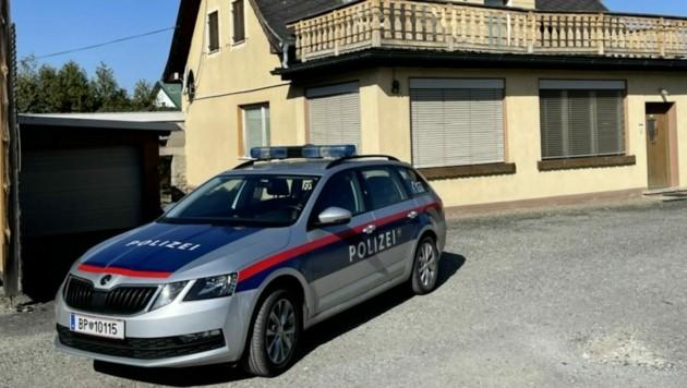 Der Täter brach bei der Holzfirma in Stegersbach ein und kam über den Balkon. (Bild: Christian Schulter)