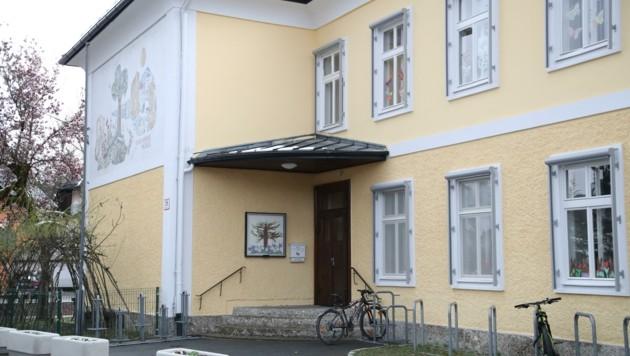 An der Volksschule in Morzg setzten sich einige Eltern erfolgreich für den Rad-Check ein. (Bild: Tröster Andreas)