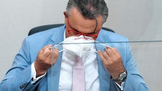 FPÖ-Chef Norbert Hofer drängt auf die Einhaltung der Maskenpflicht im Parlament. (Bild: SEPA.Media KG | Martin Juen | www.sepa.media)