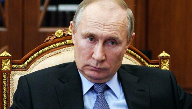 Präsident Wladimir Putin entsendet wie schon 2014 Truppen Richtung Ukraine. (Bild: AP)