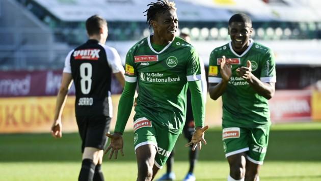 Junior Adamu war zuletzt an St. Gallen verliehen. (Bild: GIAN EHRENZELLER / Keystone / picturedesk.com)