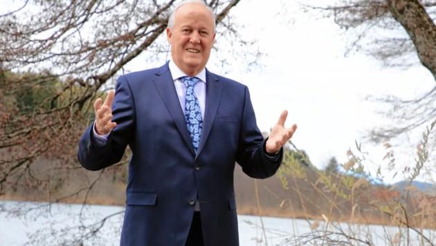 Gerhard Oleschko ist stolz auf seine Drei-Seen-Gemeinde. (Bild: Evelyn Hronek)