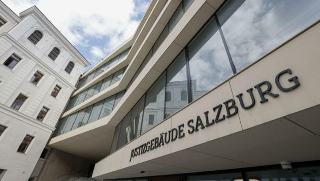 Verhandelt wird im Landesgericht Salzburg (Bild: Tschepp Markus)