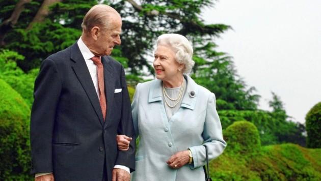 73 Jahre lang waren Queen Elizabeth II. und Prinz Philip verheiratet. Nun geht das Leben der Monarchin ohne ihre emotionale Stütze weiter. (Bild: Fiona Hanson/PA via AP)