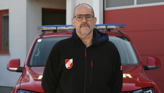 Feuerwehr-Kommandant Martin Szoka freut sich über die gute Zusammenarbeit mit Austrian Power Grid sowie der Gemeinde. (Bild: Huber Patrick)