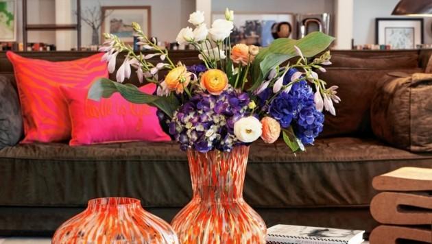 Für H&M entwarf Fürstenberg Vasen, Decken, Pölster, Duftkerzen, Espresso-Tassen und mehr. (Bild: H&M)