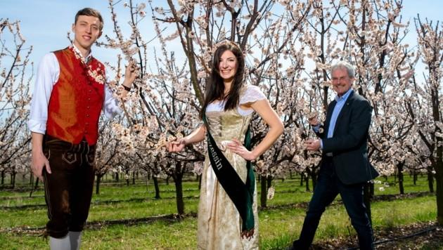 Dominik (li.), Prinzessin Verena und Präsident Wilfing. (Bild: Imre Antal)