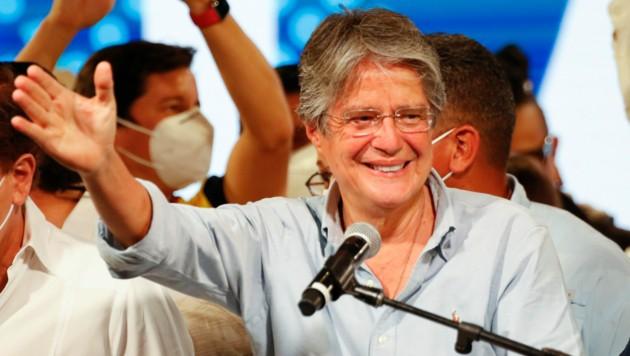 Guillermo Lasso wird nach seiner dritten Kandidatur nun Präsident von Ecuador. (Bild: AP/Angel Dejesus)