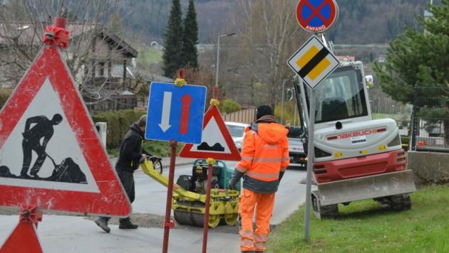 Die Arbeiten zur Erweiterung des Breitbandinternets haben in der E-Werk-Straße begonnen. (Bild: Stadt Bruck)