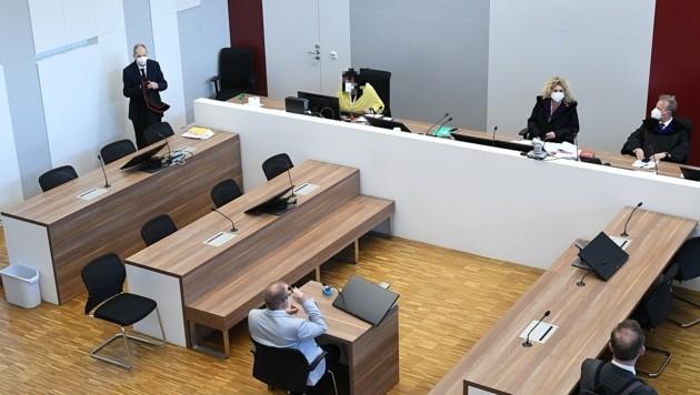 Der Polizist musste sich vor Gericht in Eisenstadt verantworten. (Bild: P. Huber)